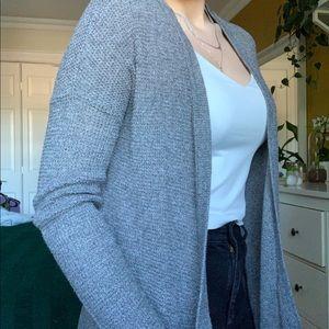 grey cardigan 🤍